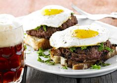 Pariserbøf: Open sandwish of minced beef patty, fried egg, onion, capers and pickled beetroot on rye bread