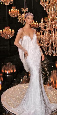Sparkly Wedding Dresses (Page 9 Necessary Particulars Each Bride Ought to Know The marriage season continues quickly. For those who're about to have that large day, hearken to our … Sparkly Wedding Dresses Source Vintage Inspired Wedding Dresses, Dream Wedding Dresses, Bridal Dresses, Vintage Dresses, Robes Vintage, Wedding Vintage, Fringe Wedding Dress, Gatsby Wedding Dress, Queen Wedding Dress