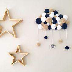 new ideas diy dco laine Baby Decor, Kids Decor, Diy Room Decor, Nursery Decor, Diy Crafts For Kids, Home Crafts, Diy Pompon, Pom Pom Rug, Pom Pom Crafts