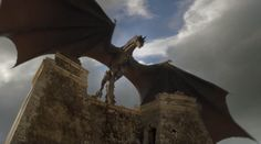 game_of_thrones_6.09_battle_of_the_bastards_dragon_appears