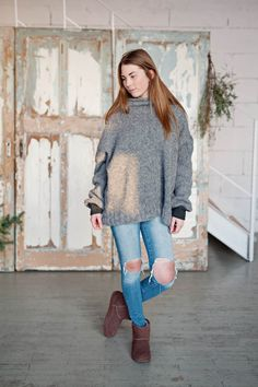 Short knitted fluffy sweater pullover  | RUKE - Quality sweaters manufactory  #2017 #Sweater #spring #brown #grey #gray #fashion #wool #alpaca #organic # natural #manufacture #slowfashion #slow #fashion #merino #knitted #knit #clothes #vneck #wiw #ootd #outfit #cardigan #pullover #cardigan #fluffy