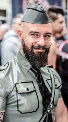 Beard And Mustache Styles, Best Beard Styles, Beard No Mustache, Soldier Haircut, Beard Haircut, Moustaches, Handlebar Mustache, Beard Art, Man Photography