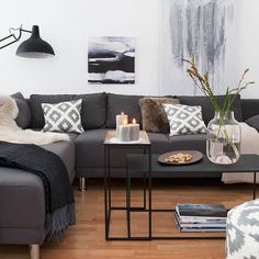 A very clean living room in grey, black and white with cozy elements. Discover the look at www.de/looks/winterlich-wohnen Clean Living Rooms, Home Living Room, Living Room Decor, Living Spaces, Living Room Sofa Design, Living Room Designs, Apartment Interior, Apartment Living, Interior Livingroom