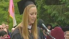 lisa kudrow vassar speech - YouTube