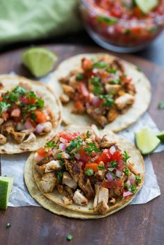 My family goes crazy for these grilled chicken street tacos, and I love how EASY they are to make! Marinated chicken thighs are grilled to perfection and served with warmed corn tortillas, pico de gallo, and cilantro. Mexican Grilled Chicken, Grilled Chicken Tacos, Street Chicken Tacos, Taco Chicken, Shredded Chicken Tacos, Sriracha Chicken, Chicken Taco Recipes, Cashew Chicken, Chicken Cordon