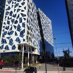 Deloitte-bygningen (av Snøhetta), i Bjørvika. Barcode - Oslo, Norway. #deloitte #snøhetta #bjørvika #barcode #office #business #eiendom #realty #realestate #arkitektur #architecture #beautiful #beautifularchitecture #whereinoslo #diggeroslo #oslobilder #s