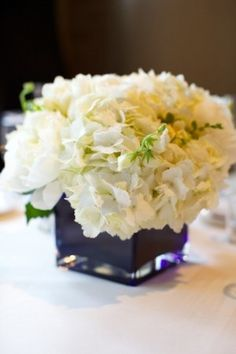 simple and classic centerpiece