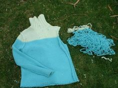 How to Unravel a Sweater to Recycle Yarn