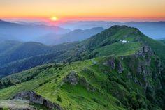 Sunset at the Yumruka Peak, Central Balkan National Park, Bulgaria. #bulgaria #bulgarian #photography #nature #landscape #green #mountain #mountains #mount #peak #sunset #sunrise #balkan #central #national #park