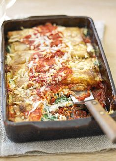 Baked spinach and ricotta pancakes: Ready-made-pancakes are used as an alternative to pasta in this delicious Italian-inspired dish.