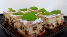 Воздушный кекс с кислинкой и большим количеством изюма - прекрасный десерт к чаю!