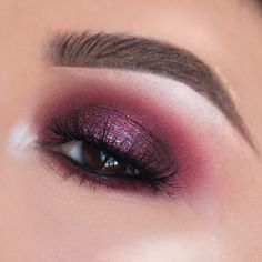 """Cranberry Eye makeup using @tartecosmetics Scarlett shadow and @makeupforever shadow """"M-846"""" with Icona Lashes use code: Christy10 for $ off"""