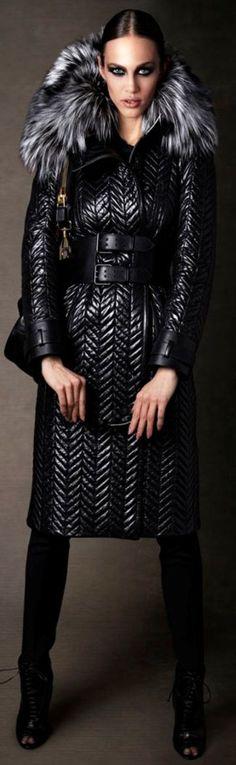 30+ pälskrage vinter kvinnor outfits 2018 #pälskrage #mode