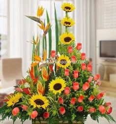 1 million+ Stunning Free Images to Use Anywhere Altar Flowers, Church Flowers, Funeral Flowers, Paper Flowers, Tropical Flower Arrangements, Church Flower Arrangements, Tropical Flowers, Garland Wedding, Wedding Decorations