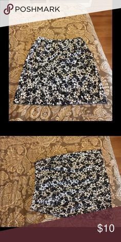 Size 2 Lulu B skirt. Black and white floral print , some spandex Skirts Mini