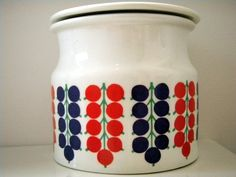 Arabia of Finland Porcelain Jam Jar: Vintage jam jar from 1966. Made in Helsinki and designed by Kaj Franck.