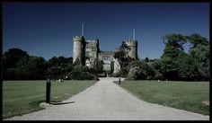 Malahide Castle © Leyla Acar
