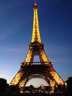 Tour Eiffel. Ferro, luce e magia.