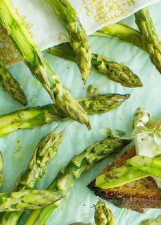 Uunissa paahdetut parsat | Maku Asparagus, Cabbage, Healthy Eating, Vegetables, Cooking, Food, Drink, Inspiration, Cuisine