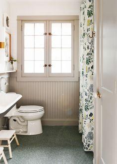 - The Tree House Bathroom Reveal! – Yellow Brick Home -The Tree House Bathroom Reveal! - The Tree House Bathroom Reveal! – Yellow Brick Home - Unidoor Toulon x Pivot Fr. Lake House Bathroom, Kid Bathroom Decor, Bathroom Ideas, Colorful Bathroom, Bathroom Trends, Bathroom Yellow, Restroom Ideas, Bathroom Colors, Bathroom Organization