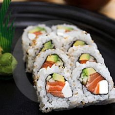 I Love Sushi iheartttea Of course! Generally there thus tasty. Let me try out a sushi restaurant in town! Diy Sushi, Sushi Party, Sushi Recipes, Seafood Recipes, Cooking Recipes, Dessert Chef, Healthy Sushi, Sushi At Home, Healthy Foods
