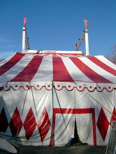 How to Make Circus Decorations