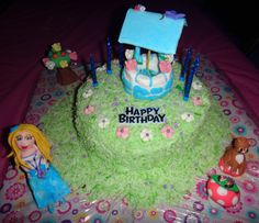A wishing well cake! Blow out your candles, cut the first piece, and then throw a coin in the well for your 3rd birthday wish!