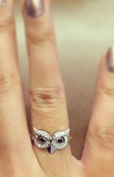 Cute Owl Ring ♥ L.O.V.E.- an old friend of mine would have loved this, too bad we r not friends anymore. Cute ring though
