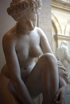 The toilet of Atalanta    Marble Jean-Jacques Pradier (1850) Musée du Louvre, Department of sculptures.