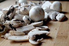 Μανιτάρια και πατάτες με κρασί ⋆ Cook Eat Up! Fun Cooking, Stuffed Mushrooms, Vegetables, Recipes, Food, Stuff Mushrooms, Recipies, Essen, Vegetable Recipes