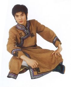Mongolian-men-Clothing-Clothes-male-mongolian-robed-imitation-deerskin-dance-clothes-Chinese-specialty.jpg (JPEG Image, 645 × 800 pixels)