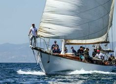 The Emerald takes a crew of military veterans on a voyage into Santa Monica Bay. The Challenges Foundation is unable to resume its therapy efforts until they can find a new place to dock the vintage sailboat. Photo by Pat Reynolds