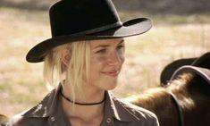 Hoe is het nu - 16 jaar later - met de cast van McLeod's Daughters? Female Actresses, Actors & Actresses, Aussie Hat, Man From Snowy River, Mcleod's Daughters, My Vibe, Cowboy Hats, Pop Culture, Tv Shows