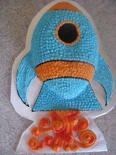 Rocket ship cake created from football cake pan. (blue cupcakes for boys) Rocket Ship Cakes, Rocket Cake, Cute Birthday Ideas, Birthday Party Themes, Birthday Stuff, Birthday Cakes, Harry Birthday, Third Birthday, Alien Cake