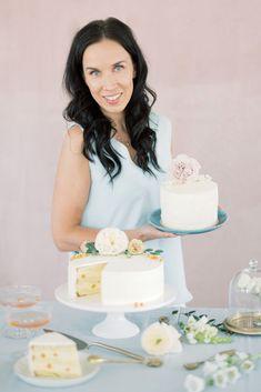 Syötävät kukat kakkujen koristelussa   Annin Uunissa Most Delicious Recipe, Delicious Cake Recipes, Yummy Cakes, Yummy Food, Cake Fillings, Easy Baking Recipes, Frosting Recipes, No Bake Cake, Vanilla Cake