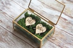 Szklane pudełko na obrączki-zielony mech+serca z grawerem Rustic Wedding, Wedding Day, Wedding Church, Wedding Rings, Ring Pillow Wedding, Greenery, Wedding Inspiration, Woodland, Weddings