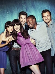 new girl is seriously my favorite show next to friends and big bang theory!