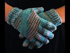 How to Loom Knit Gloves Round Loom - http://www.knittingstory.eu/how-to-loom-knit-gloves-round-loom/
