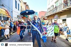 Check out this image from this weekend's French Quarter Fest! Tag @pressclubnola to share your coverage.  #Repost @wwoz_neworleans with @repostapp.  The opening second line for French Quarter Fest 2016 last Thursday. Photo by Eli Mergel @smellcircus  #fqfest #frenchquarter #neworleans by pressclubnola
