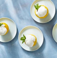 These lemon cups make delicious and impressive palate cleansers at the end of the meal. For a more festive version, swap out the soda for sparkling wine or vodka. Summer Drink Recipes, Summer Drinks, Cocktail Recipes, Champagne Cocktail, Sparkling Wine, Cooking Time, Cooking Recipes, Cocktail Party Food, Lemon Sorbet