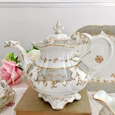 """There was a huge number of beautiful Rococo Revival tea sets of that period. One of the most adorable ones is the Coalport """"Adelaide"""" tea sets with a Duck Spout teapot. Antique China, Vintage China, Teapots And Cups, Teacups, Tea Sets Vintage, Tea Cup Set, Tea Art, Tea Service, Chocolate Pots"""