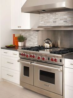 Kitchen remodeling costs contemporary in 2019 home renovatio White Shaker Kitchen, White Marble Kitchen, Shaker Kitchen Cabinets, Kitchen Stove, Kitchen Dining, Kitchen Decor, Kitchen Appliances, Stove Oven, Gas Stove