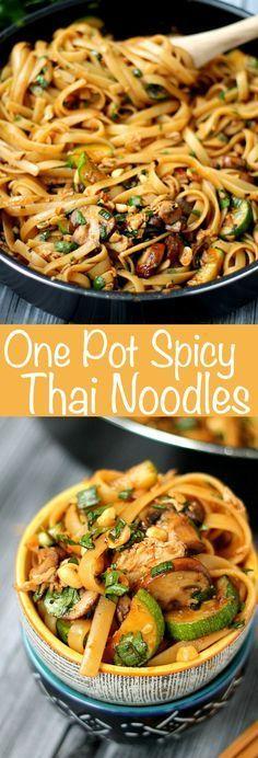 Ein Topf Spicy Thai Nudeln sind so gut und leicht zu kochen. Dies ist ein vegetarisches Rezept, aber es gibt auch Optionen für hinzugefügtes Protein!