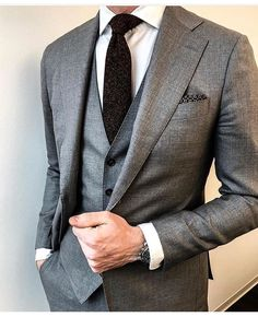 Beautiful suit for men - Three Piece Suits - Mens Casual Suits, Stylish Mens Outfits, Formal Suits, Mens Fashion Suits, Mens Suits, Best Suits For Men, Cool Suits, Men Dress Up, Moda Formal