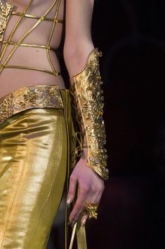 Guo Pei Couture Spring 2018 - Details