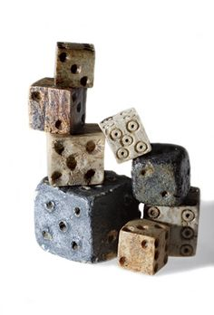 New World Dice ~ ~ Jamestown, Virginia ~ bone, ivory and lead dice ~ Soldiers in the remote outpost gambled with bone, ivory, and lead dice to pass the time—an activity banned by 1611 in an effort to restore discipline. Jamestown 1607, Jamestown Colony, Colonial America, 17th Century, National Geographic, American History, Decir No, Board Games, Virginia