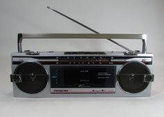 VTG Soundesign Boombox 4626 (B) Cassette Tape Player AM FM Radio Ghetto Blaster #Soundesign