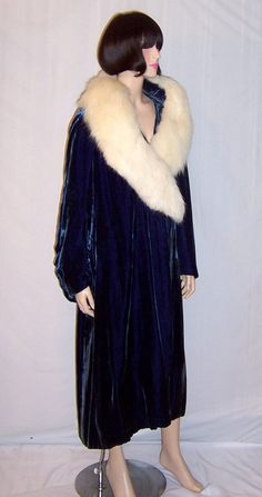 1920s Outfits, New Outfits, Winter Outfits, Vintage Outfits, Winter Clothes, Chicago Costume, Prussian Blue, 1920s Dress, White Fox