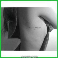 Trendy small bird tattoo meaning simple ideas Mini Tattoos, Diskrete Tattoos, Tattoos Bein, Cute Small Tattoos, Trendy Tattoos, Dope Tattoos, B Tattoo, Bird Tattoo Ribs, Bird Tattoo Meaning