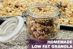 FAT GRANOLA RECIPE I'm sharing my favorite low fat granola recipe today! It's healthy, easy to make and delicious!I'm sharing my favorite low fat granola recipe today! It's healthy, easy to make and delicious! Low Calorie Granola, Low Sugar Granola, Keto Granola, Healthy Eating Recipes, Healthy Desserts, Gourmet Recipes, Diabetic Recipes, Yogurt Recipes, Healthy Breakfasts